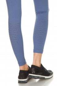 Varley |  Sports leggings with cut-out effects Jill Tight | blue  | Picture 6