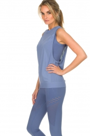 Varley |  Soft sports top with low-cut armholes Kennedy | blue  | Picture 4