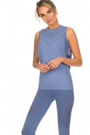 Varley |  Soft sports top with low-cut armholes Kennedy | blue  | Picture 2
