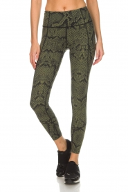 Varley |  Sports leggings with snake print Bedfort TIght | green  | Picture 2
