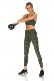 Varley |  Sports leggings with snake print Bedfort TIght | green  | Picture 3