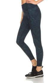 Varley |  Sports leggings with marble print Moon | blue  | Picture 4