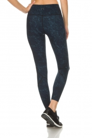 Varley |  Sports leggings with marble print Moon | blue  | Picture 5