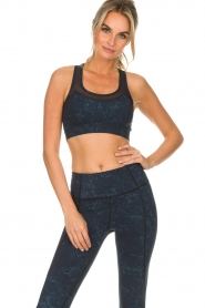 Varley |  Sports bra with marble print Bandini | blue  | Picture 2