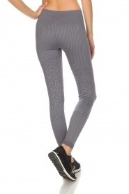 Varley |  Sports leggings with snake print Quincy Tight | grey  | Picture 5