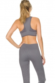 Varley |  Sports bra with snake print Perkins | grey  | Picture 6