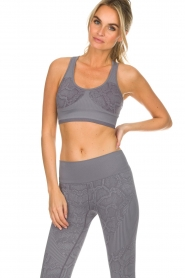 Varley |  Sports bra with snake print Perkins | grey  | Picture 2