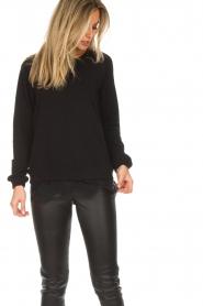 Aaiko | Sweatshirt met kanten detail Nadia | zwart  | Afbeelding 4