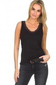 Hanro |  Top Cotton Lace | black  | Picture 2