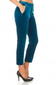 Silvian Heach | Fluwelen broek Serpentine | blauw  | Afbeelding 5