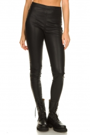 Knit-ted |  Faux leather legging Amber | black  | Picture 5