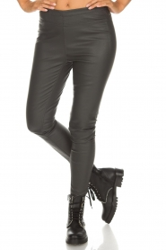 Knit-ted |  Faux leather leggings Amber | grey  | Picture 3