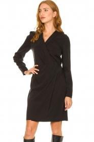 Dante 6 | V-hals jurk Tabatha | zwart  | Afbeelding 2