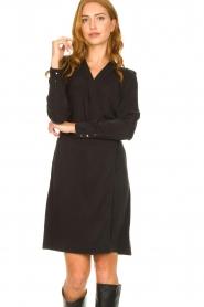 Dante 6 | V-hals jurk Tabatha | zwart  | Afbeelding 8