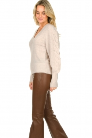 Dante 6 |  V-neck sweater with balloon sleeves Broame | naturel  | Picture 5