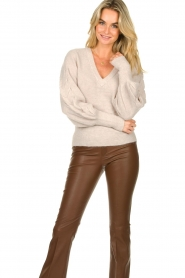 Dante 6 |  V-neck sweater with balloon sleeves Broame | naturel  | Picture 4