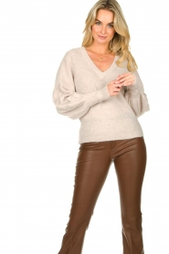 Dante 6 |  V-neck sweater with balloon sleeves Broame | naturel  | Picture 2