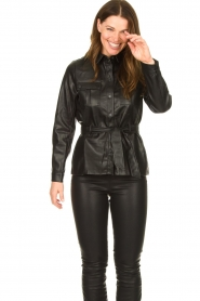 Aaiko |  Faux leather blouse with belt Pamas | black  | Picture 2