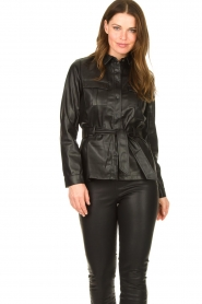 Aaiko |  Faux leather blouse with belt Pamas | black  | Picture 4