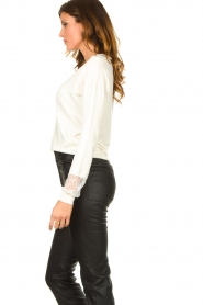 Fracomina |  V-neck sweater Clemente | white  | Picture 5