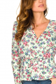 Notes Du Nord |  Floral wrap top Shelly | light green  | Picture 7