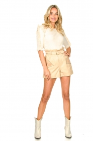 Ibana |  Leather short Sachi | beige  | Picture 3