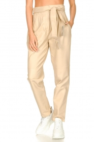 Ibana |  Leather pants with tie detail Petra | beige  | Picture 4