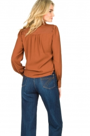 Dante 6 |  Blouse with puff sleeves Nascha | brown  | Picture 6