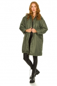 American Vintage |  Oversized parka with teddy lining Akocity | green   | Picture 3