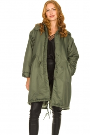 American Vintage |  Oversized parka with teddy lining Akocity | green   | Picture 4