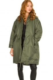 American Vintage |  Oversized parka with teddy lining Akocity | green   | Picture 2