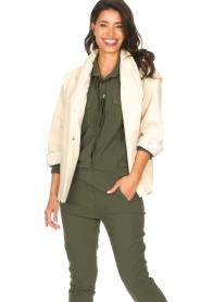 ba&sh | Katoenen jasje met strikceintuur Lost | off white   | Afbeelding 4