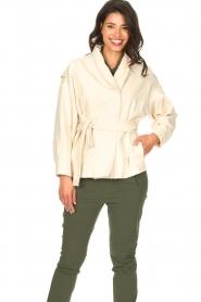 ba&sh | Katoenen jasje met strikceintuur Lost | off white   | Afbeelding 5