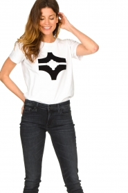 Sofie Schnoor |  T-shirt with logo | white  | Picture 4