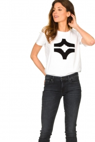 Sofie Schnoor |  T-shirt with logo | white  | Picture 5