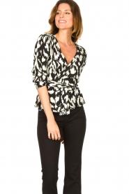 Sofie Schnoor |  Wrap blouse Nieel | black  | Picture 2