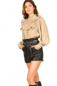 Sofie Schnoor |  Broderie blouse Lala | camel  | Picture 4