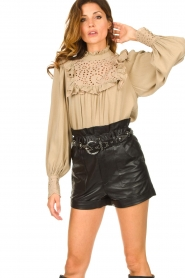 Sofie Schnoor |  Broderie blouse Lala | camel  | Picture 2