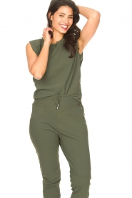 D-ETOILES CASIOPE |  Travelwear top with shouder pads Aline | green  | Picture 6