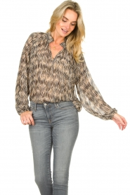 Second Female |  Printed ruffle blouse Roger | black  | Picture 4