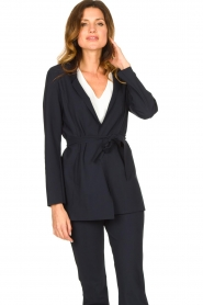 D-ETOILES CASIOPE |  Travelwear blazer with belt Anais | blue  | Picture 5