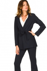 D-ETOILES CASIOPE |  Travelwear blazer with belt Anais | blue  | Picture 4