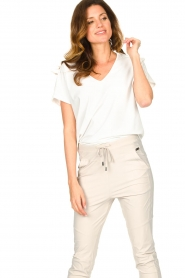 D-ETOILES CASIOPE |  Travelwear T-shirt with v-neck Alizée | white  | Picture 4