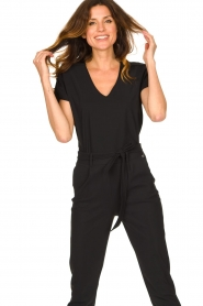 D-ETOILES CASIOPE | Travelwear T-shirt met v-hals Alizée | zwart   | Afbeelding 2