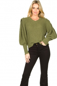 Aaiko |  Knitted sweater with puff sleeves Mascha | green  | Picture 2