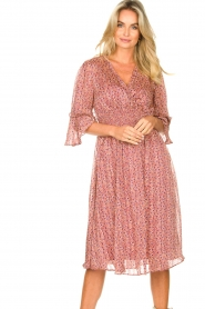 Lolly's Laundry |  Midi dress with ruffles Patricia | pink  | Picture 5