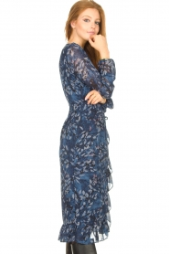 Freebird |  Midi dress with floral print Rosy | blue  | Picture 5