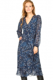 Freebird |  Midi dress with floral print Rosy | blue  | Picture 4