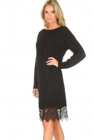 Freebird | Sweater jurk met kant Ilsa | zwart  | Afbeelding 6