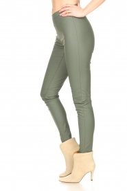 Knit-ted |  Faux leather legging Amber | green  | Picture 5